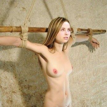 Яна Гурьянова голая