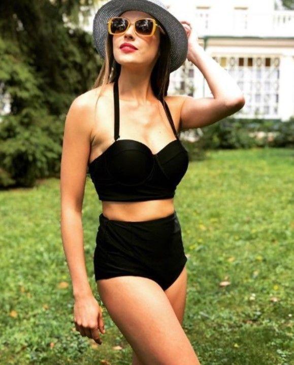 Александра Никифорова фото в купальнике