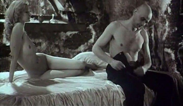 голая Александра Флоринская после секса