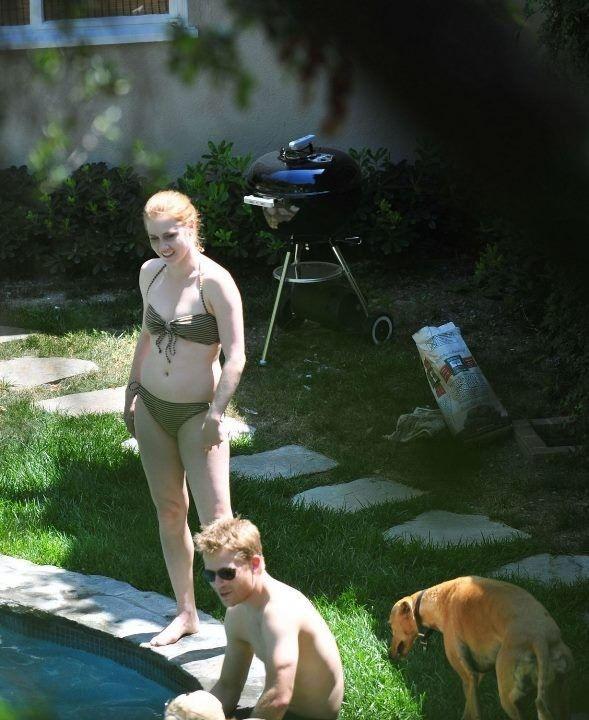Эми Адамс в купальнике