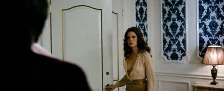 Эми Адамс в рубашке без лифчика