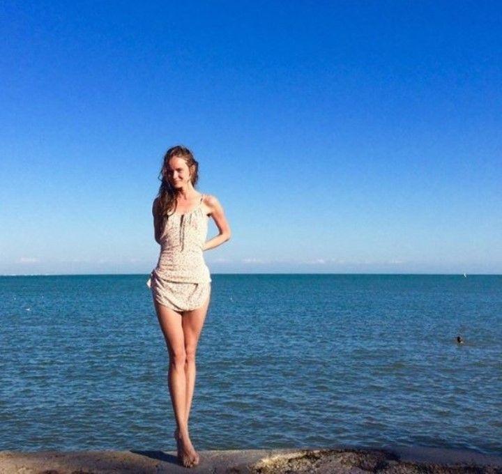 Анастасия Куимова в купальнике