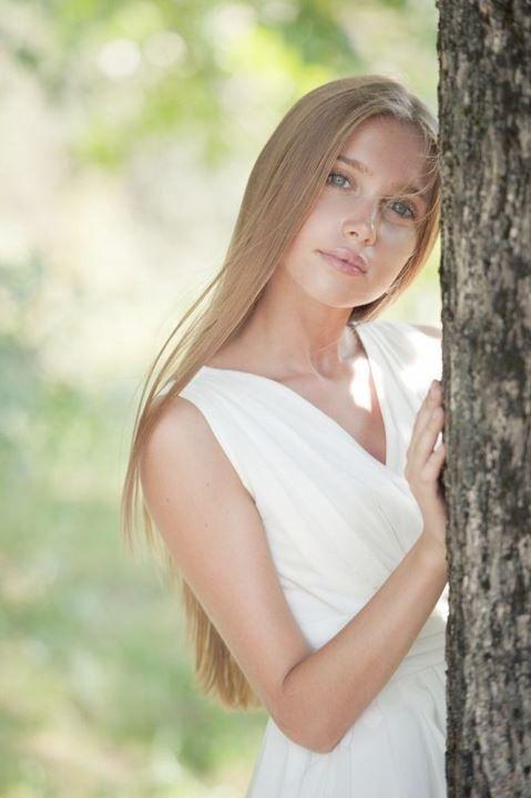 Анна Андрусенко в платье секси