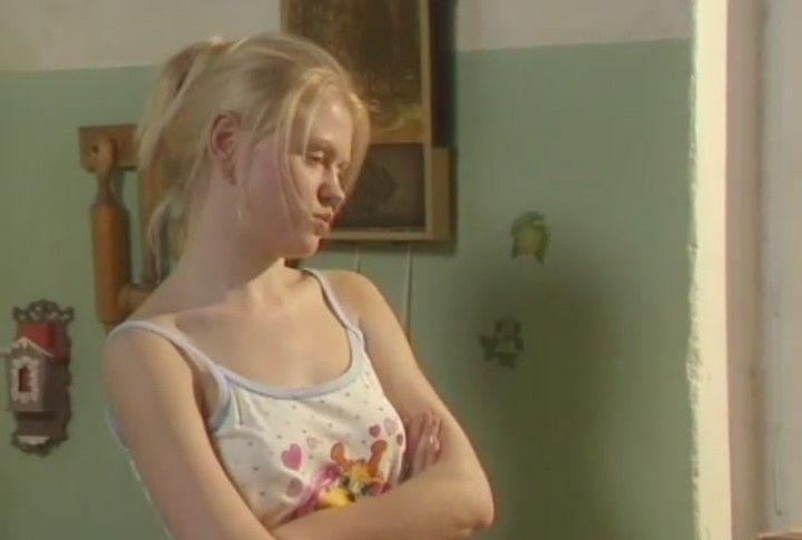 Анна Котова без лифчика
