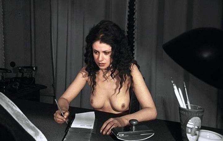 Анна Ковальчук без лифчика
