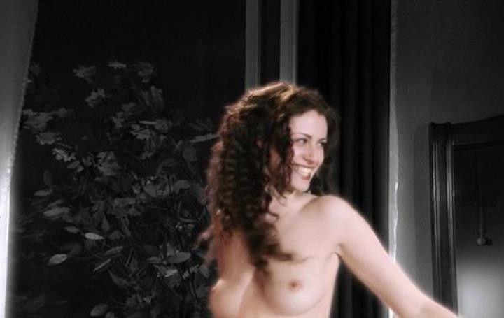 Анна Ковальчук без нижнего белья
