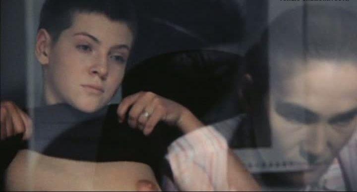 молодая Дана Агишева показала свои соски