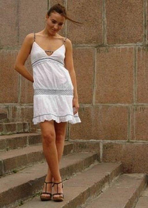 Юлия Александрова без лифчика - торча соски