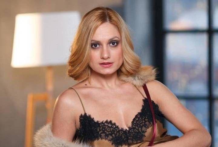 Карина Мишулина грудь