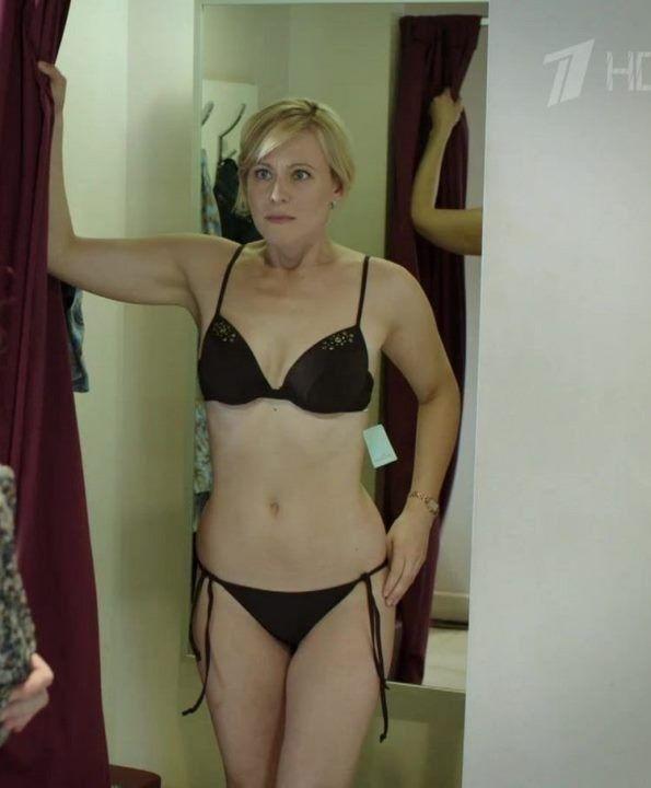 фото Марии Куликовой в мини бикини