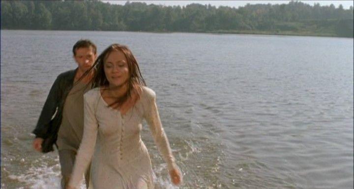 Мария Миронова в мокром платье без белья