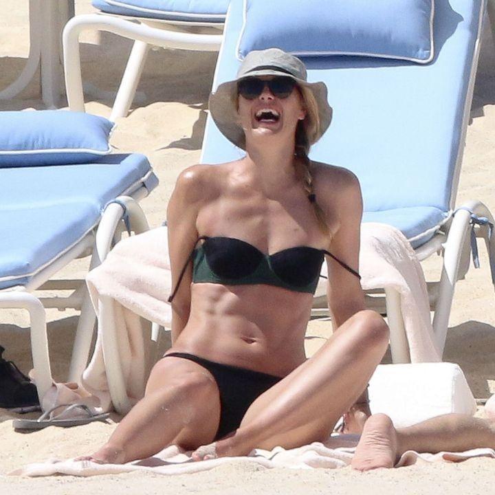 Мария Шарапова обнажилась на пляже