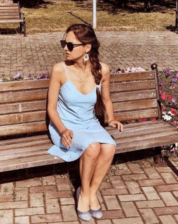 Мария Иващенко в платье без лифчика