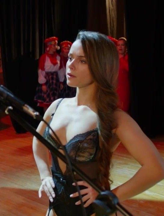 Мила Сивацкая в прозрачном боди