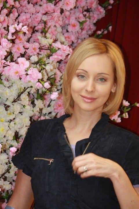 Наталья Коренная декольте