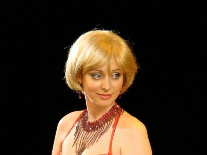 Наталья Коренная в лифчике