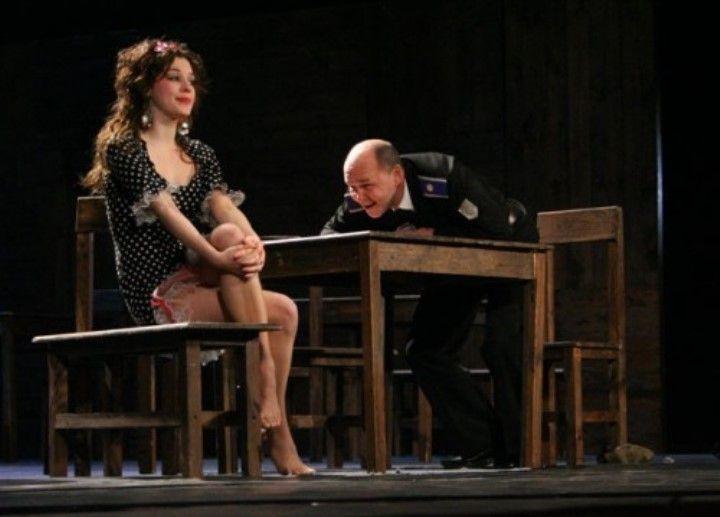 Наталья Романычева обнаженная на сцене