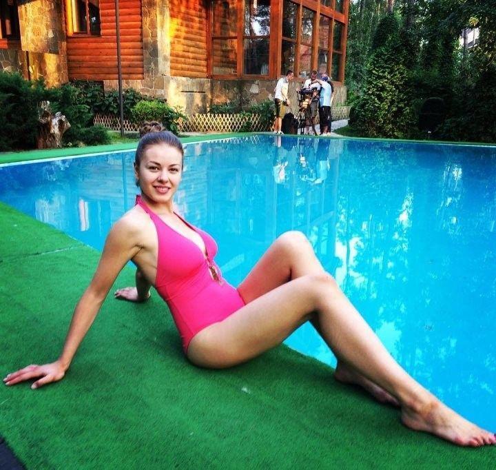 фото Олеси Фаттаховой в купальнике