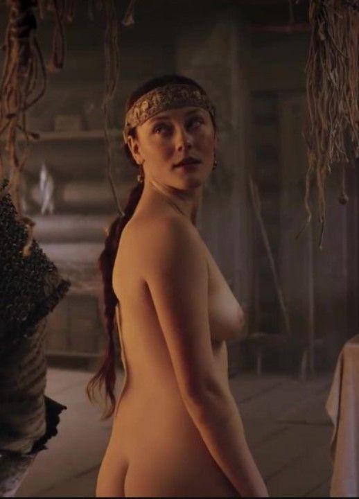 Полина Чернышова голая грудь
