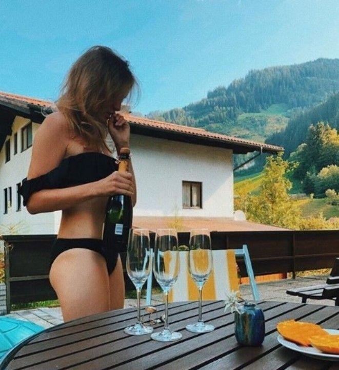 Полина Филоненко фото в купальнике