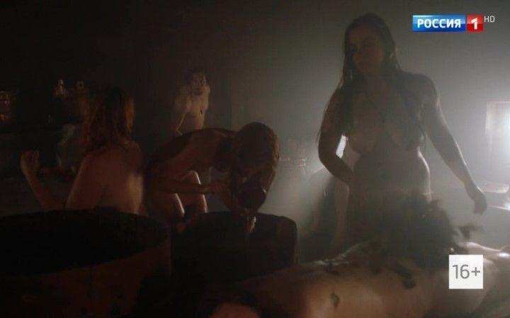 голая Светлана Ходченкова в бане