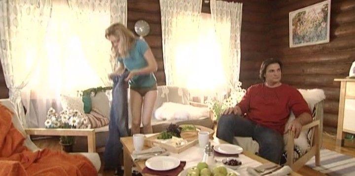 Татьяна Арнтгольц в трусиках