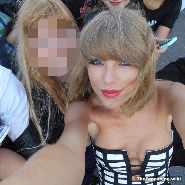 Тейлор Свифт грудь без лифчика