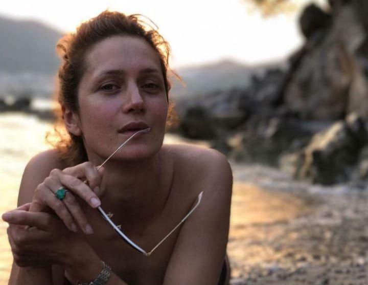 обнаженная Виктория Исакова без макияжа