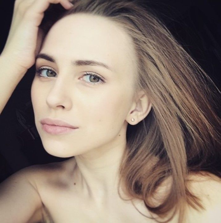 Яна Енжаева обнаженная