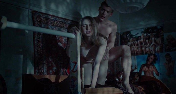 секс Яны Енжаевой сзади