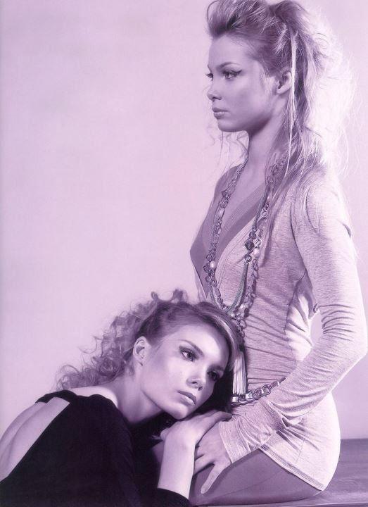 эро фото сестры Арнтгольц – Татьяна и Ольга