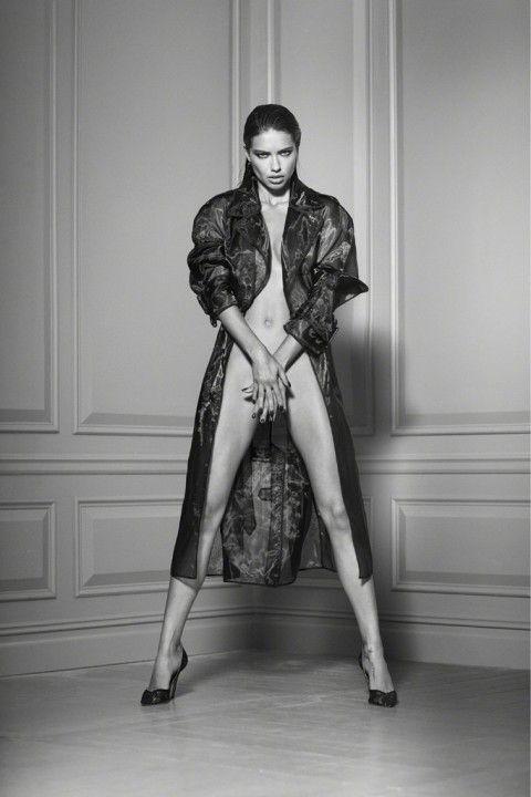 Адриана Лима без нижнего белья