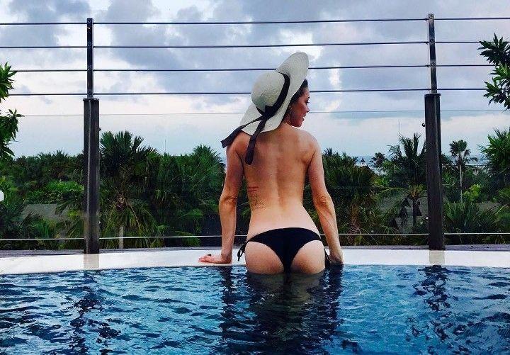 Эмбер Хёрд в купальнике