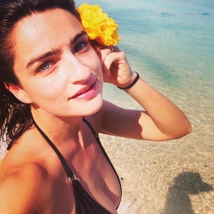 Аня Букштейн в купальнике
