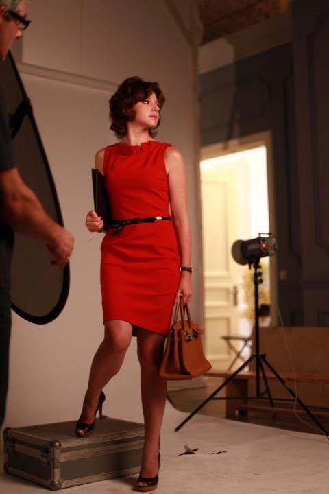 Анна Банщикова в красном платье