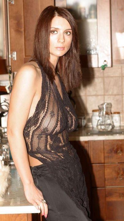 просвечивающая грудь Екатерины Стриженовой