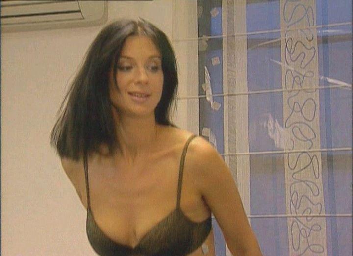 Екатерина Стриженова в лифчике