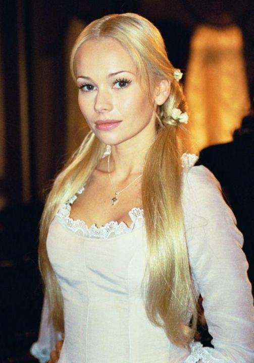 Елена Корикова бюст