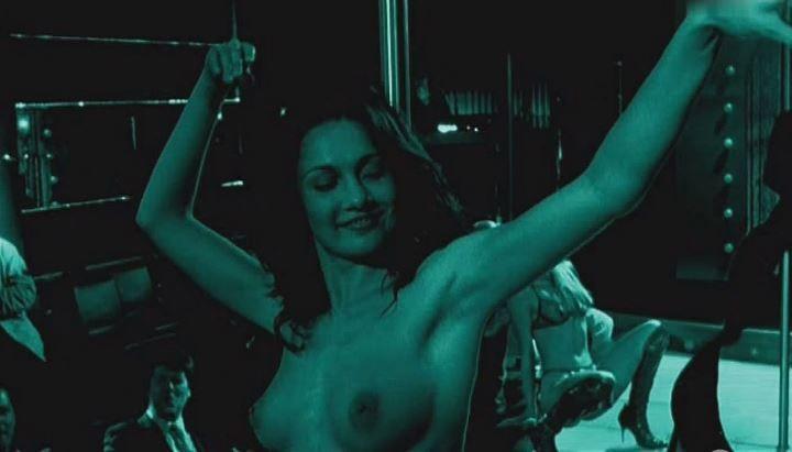 Евгения Брик танцует стриптиз