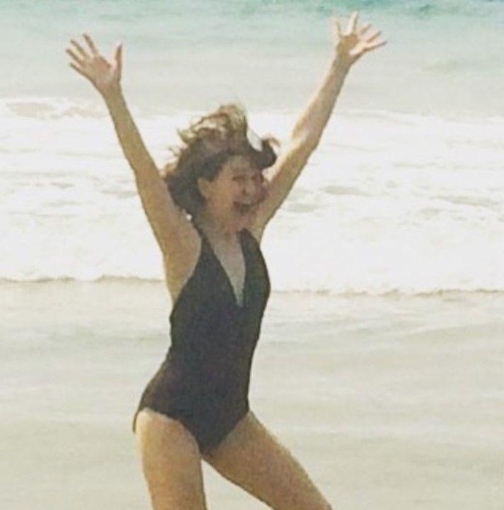 Джемма Уилан в купальнике