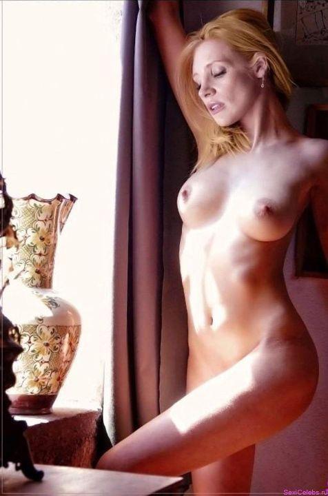 Джессика Честейн голая