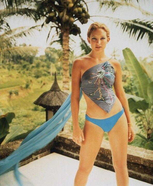 Кейт Хадсон в купальнике
