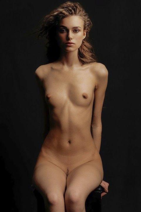 Кира Найтли голая