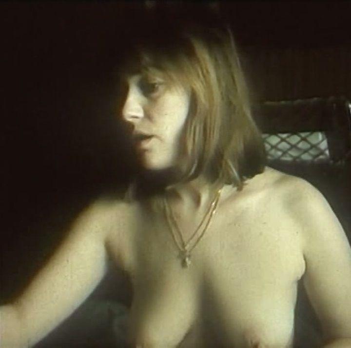 Лариса Гузеева с голой грудью