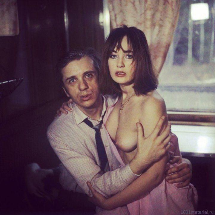 Лариса Гузеева с голой грудью в поезде