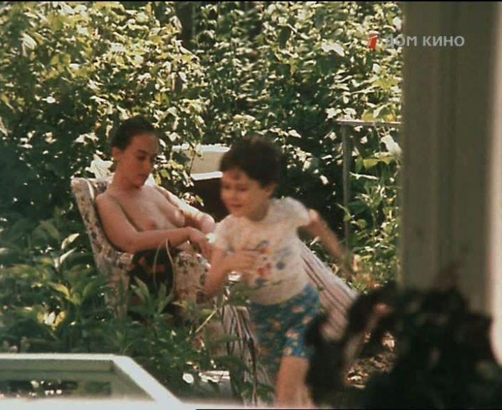 Лариса Гузеева без нижнего белья
