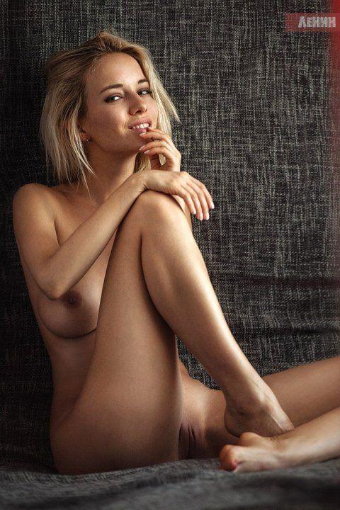голая грудь и вагина болельщицы Наталья Немчинова Андреева