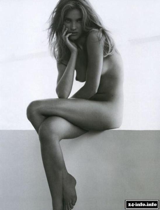 Наталья Водянова без нижнего белья