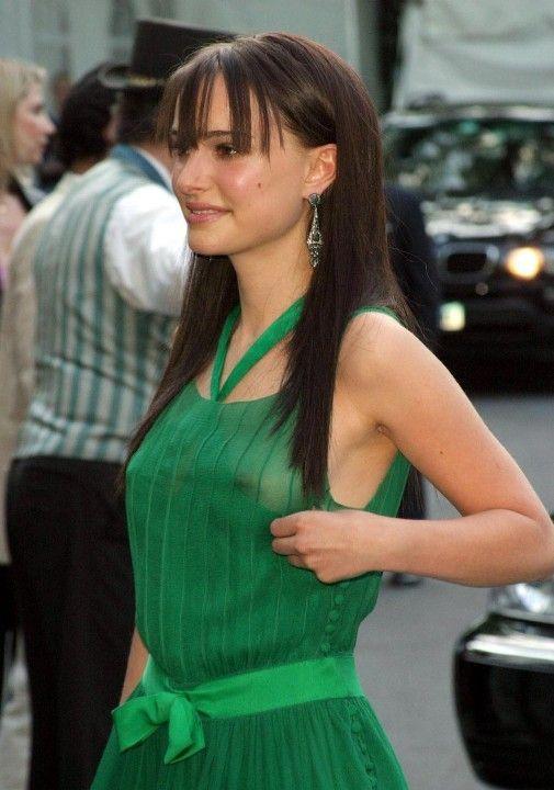 Натали Портман в голом платье