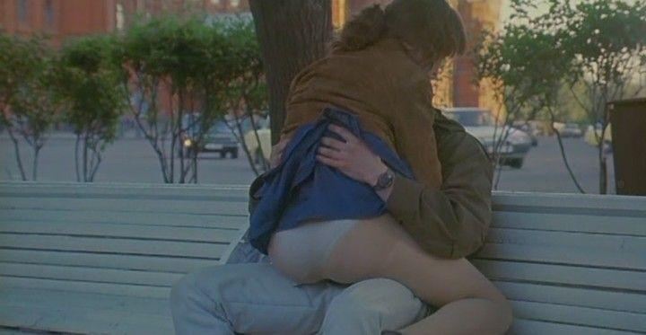 секс с Натальей Щукиной на скамейке